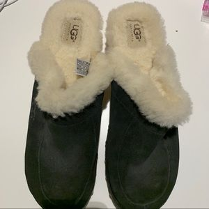 Ugh genuine leather and sheep lined clogs size 11